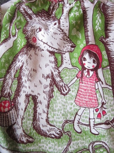 sweat-petit-chaperon-rouge-7